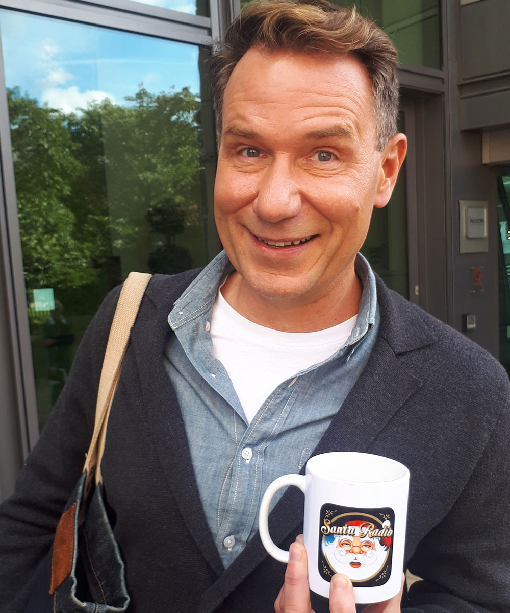 Richard Arnold - GMB Showbiz Presenter - Santa Radio Mugshot